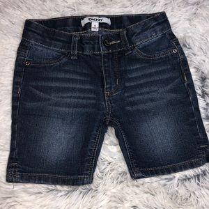 DKNY short jeans girl size 5